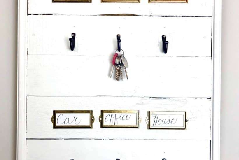 DIY white shiplap wall hanging key holder